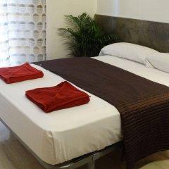 Отель Hostal Mont Thabor Испания, Барселона - отзывы, цены и фото номеров - забронировать отель Hostal Mont Thabor онлайн комната для гостей фото 4