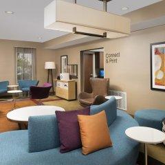 Отель Fairfield Inn & Suites by Marriott Albuquerque Airport комната для гостей