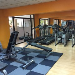 Patong Beach Hotel фитнесс-зал
