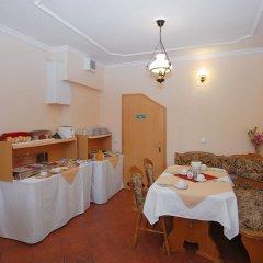 Отель Pension Villa Rosa питание