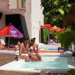 Hotel Devamli бассейн