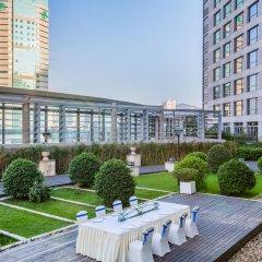 Отель Crowne Plaza Paragon Xiamen Китай, Сямынь - 2 отзыва об отеле, цены и фото номеров - забронировать отель Crowne Plaza Paragon Xiamen онлайн балкон