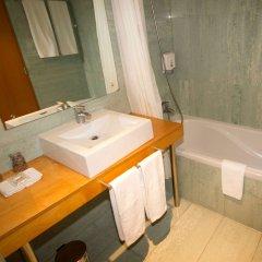 Отель Comfort Inn Ponta Delgada Португалия, Понта-Делгада - отзывы, цены и фото номеров - забронировать отель Comfort Inn Ponta Delgada онлайн ванная