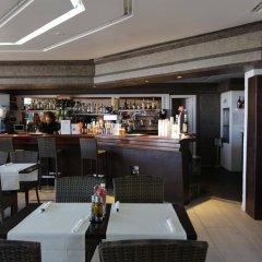 Отель Lakiki гостиничный бар