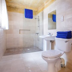 Отель Bellavista Farmhouses Gozo ванная