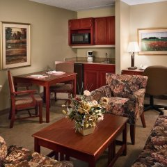 Отель Quality Inn & Suites Albuquerque Downtown - University комната для гостей фото 2