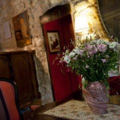 Hotel Esmeralda Париж интерьер отеля