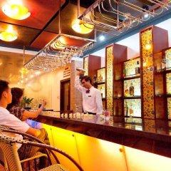 Отель Huong Giang Hotel Resort & Spa Вьетнам, Хюэ - 1 отзыв об отеле, цены и фото номеров - забронировать отель Huong Giang Hotel Resort & Spa онлайн гостиничный бар