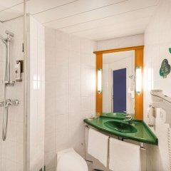 Отель Ibis Praha Mala Strana Прага ванная