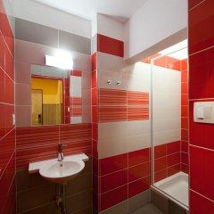 Отель Hostel Elf Чехия, Прага - отзывы, цены и фото номеров - забронировать отель Hostel Elf онлайн ванная фото 2