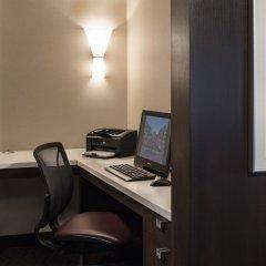 Отель Sheraton Cavalier Calgary Hotel Канада, Калгари - отзывы, цены и фото номеров - забронировать отель Sheraton Cavalier Calgary Hotel онлайн удобства в номере