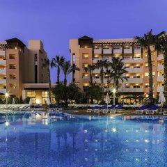 Отель H10 Salauris Palace Испания, Салоу - 5 отзывов об отеле, цены и фото номеров - забронировать отель H10 Salauris Palace онлайн бассейн фото 3