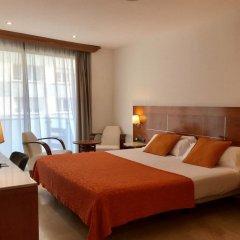 Hotel Calasanz комната для гостей