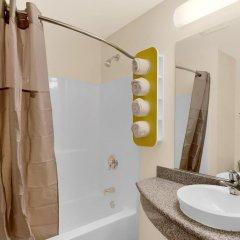 Отель Motel 6 Niagara Falls - New York США, Ниагара-Фолс - отзывы, цены и фото номеров - забронировать отель Motel 6 Niagara Falls - New York онлайн ванная