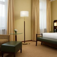 Гостиница Hilton Москва Ленинградская 5* Стандартный номер с двуспальной кроватью фото 10