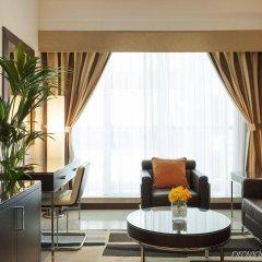 Отель Four Points by Sheraton Sheikh Zayed Road, Dubai комната для гостей фото 5