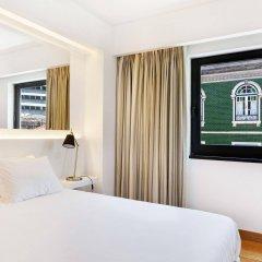 Отель Hello Lisbon Marques De Pombal сейф в номере