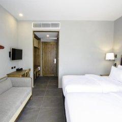 Отель Marina Express-AVIATOR-Phuket Airport Улучшенный номер с различными типами кроватей фото 4
