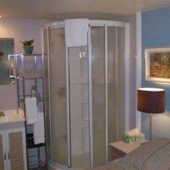 Отель L'Oasis du Vieux-Longueuil Канада, Лонгёй - отзывы, цены и фото номеров - забронировать отель L'Oasis du Vieux-Longueuil онлайн ванная фото 2