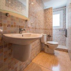 Отель Apartaments AR Borodin Испания, Льорет-де-Мар - отзывы, цены и фото номеров - забронировать отель Apartaments AR Borodin онлайн ванная фото 2