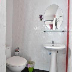Апартаменты Kaewfathip Apartment Паттайя ванная