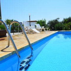 Отель Villa With 2 Bedrooms in Floridia, With Private Pool, Enclosed Garden and Wifi - 12 km From the Beach Флорида бассейн