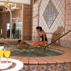 Отель Ayre Hotel Astoria Palace Испания, Валенсия - 1 отзыв об отеле, цены и фото номеров - забронировать отель Ayre Hotel Astoria Palace онлайн бассейн