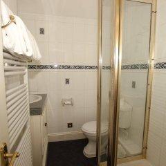 The Courtlands Hotel ванная фото 2