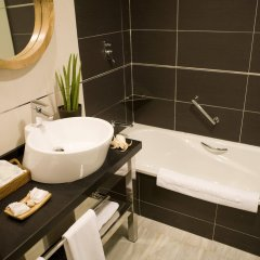 HYDROS Hotel & Spa ванная