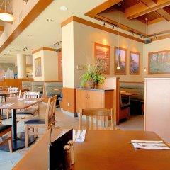 Отель GEC Granville Suites Downtown Канада, Ванкувер - отзывы, цены и фото номеров - забронировать отель GEC Granville Suites Downtown онлайн питание фото 2