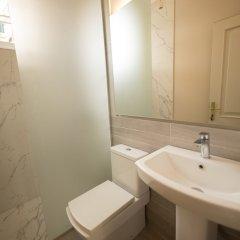 Отель Mosaic Home Албания, Тирана - отзывы, цены и фото номеров - забронировать отель Mosaic Home онлайн ванная фото 2