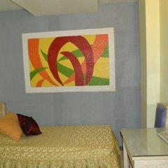 Отель Makati International Inns Филиппины, Макати - 1 отзыв об отеле, цены и фото номеров - забронировать отель Makati International Inns онлайн комната для гостей фото 4