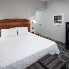 Отель Hampton Inn & Suites Tulare комната для гостей фото 5