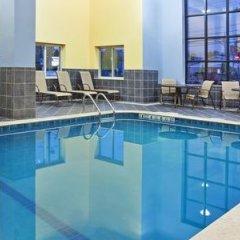 Отель Holiday Inn Express & Suites Niagara Falls США, Ниагара-Фолс - отзывы, цены и фото номеров - забронировать отель Holiday Inn Express & Suites Niagara Falls онлайн бассейн фото 2
