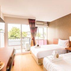 Отель Baron Residence Бангкок комната для гостей фото 3