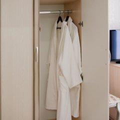 Гостиница МариАнна сейф в номере