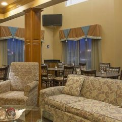 Отель Holiday Inn Express & Suites Somerset Central гостиничный бар