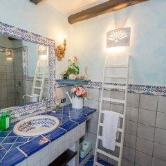 Отель Casa Hibiscus Джардини Наксос ванная