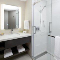 Отель DoubleTree by Hilton Montreal Канада, Монреаль - отзывы, цены и фото номеров - забронировать отель DoubleTree by Hilton Montreal онлайн ванная