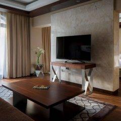 Гостиница Сочи Марриотт Красная Поляна Эсто-Садок комната для гостей фото 3