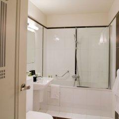 Отель Eiffel Seine Париж ванная