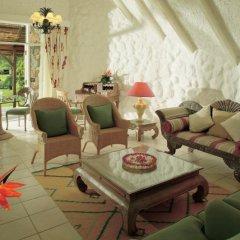 Отель La Pirogue A Sun Resort интерьер отеля фото 3