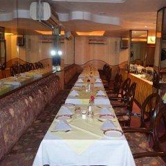 Отель Grand Sartaj Hotel Индия, Нью-Дели - отзывы, цены и фото номеров - забронировать отель Grand Sartaj Hotel онлайн питание