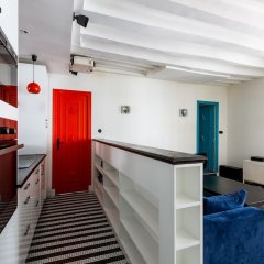 Отель Bauhaus Magic in the Marais Париж