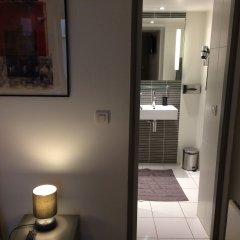 Отель Hôtel & Résidence de la Mare Франция, Париж - отзывы, цены и фото номеров - забронировать отель Hôtel & Résidence de la Mare онлайн ванная