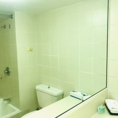 Acacia Court Hotel ванная