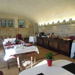 Отель Chateau De Verrieres Сомюр питание