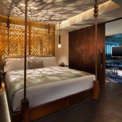 Отель W Los Angeles - West Beverly Hills сейф в номере