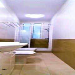 Отель MC YOLO Apartamento Ronda Atocha Испания, Мадрид - отзывы, цены и фото номеров - забронировать отель MC YOLO Apartamento Ronda Atocha онлайн ванная фото 2
