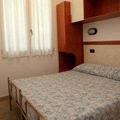 Отель Parigi Италия, Римини - отзывы, цены и фото номеров - забронировать отель Parigi онлайн комната для гостей фото 2